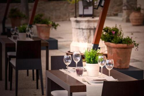 Villa Cilnia restaurant e room 05