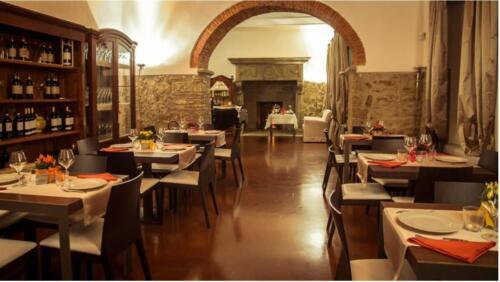 Villa Cilnia restaurant e room 13